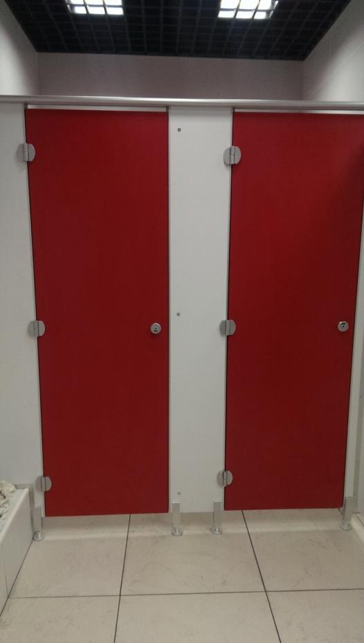 сантехнические перегородки для кинотеатра фото