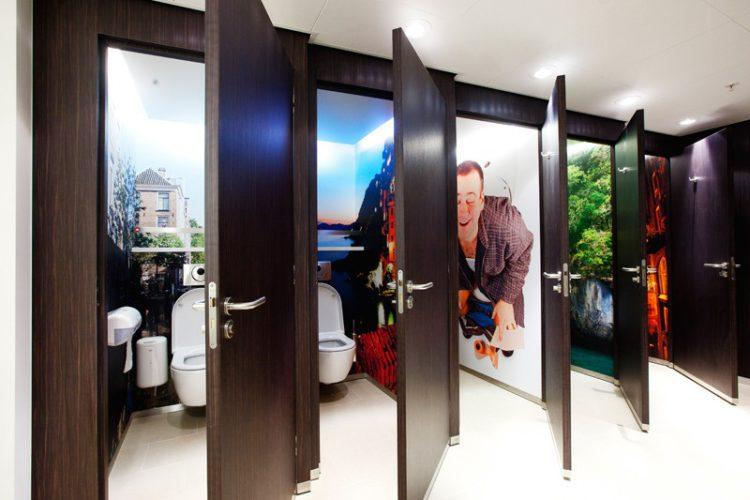 туалетные кабинки с картинками