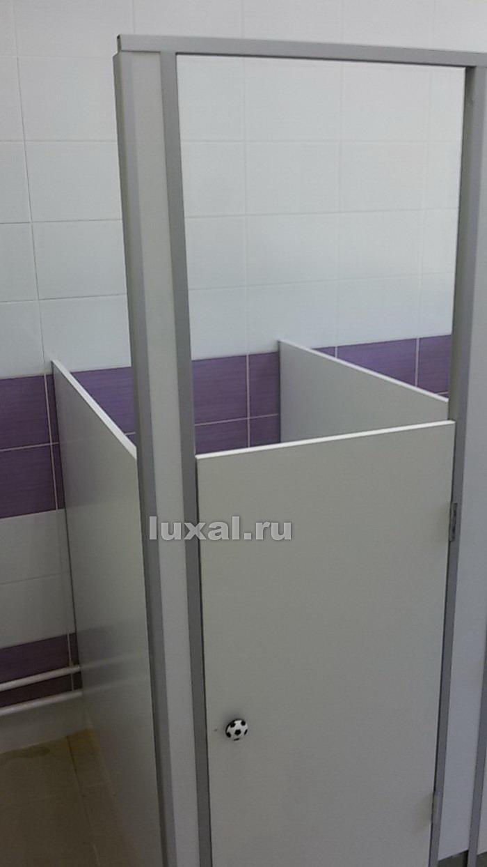 правильные туалетные кабинки в детский сад