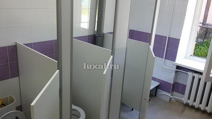 туалетные кабинки из ДСП в детский сад