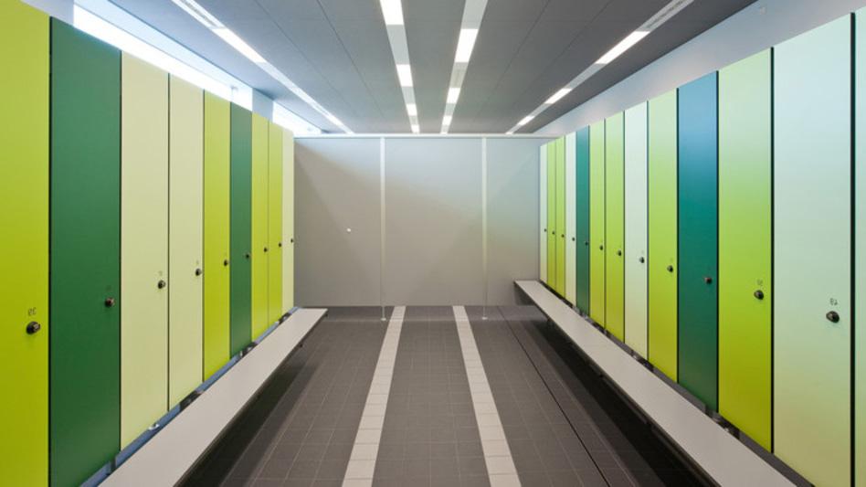 шкафчики для рабочих из пластика