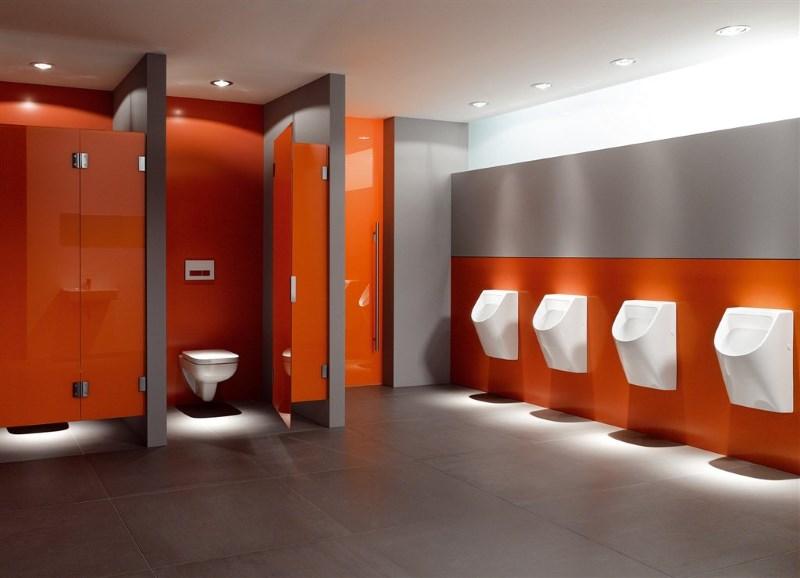 писсуарные перегородки в офисном туалете